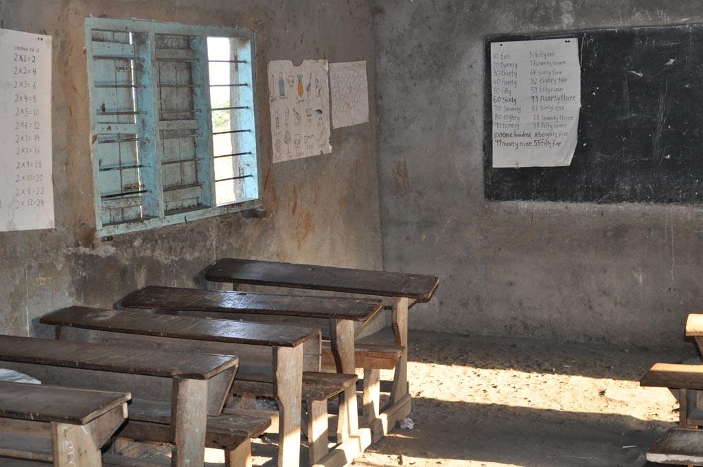 2011-05 Rombo:la scuola primaria che ha frequentato Padre Callisto