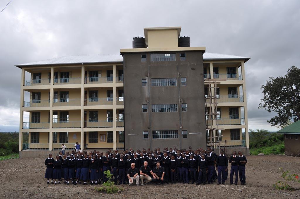 2014-04 inaugurazione scuola con i primi cento studenti